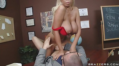 Teacher gets some college pussy action from student