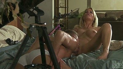 Big tits jessica drake getting pussy licked and sucks dick
