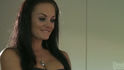 Horny milf Kayla Paige going to a bar to get some action