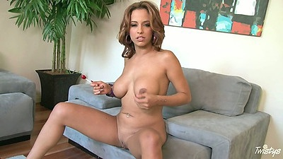 Medium natural tits Mulani Rivera spreading pussy and fucking popsicle