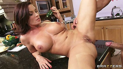 Milf big tits Diamond Foxxx fucked on the table