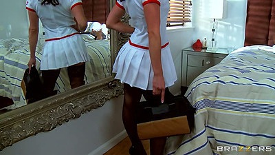 Doctor nurse Kendra Lust coming over for a house call