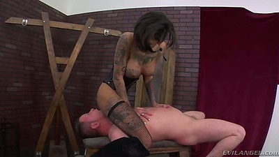 Zoey Monroe and Bonnie Rotten in fetish face fucking sex