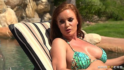 Bikini milf Diamond Foxxx and Holly Halston showing their nice bodies