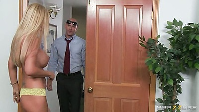 Busty blonde milf Brooke Tyler meets due at the door and sits on his face all naked